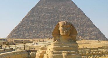 US helps preserve base of Sphinx