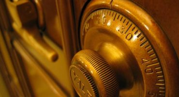 Secruity experts shows how secure hotel safes are