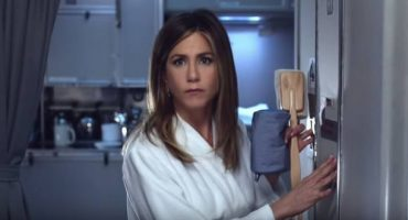 Jennifer Aniston stars in new Emirates ad