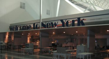 Delays at JFK airport after computer glitch