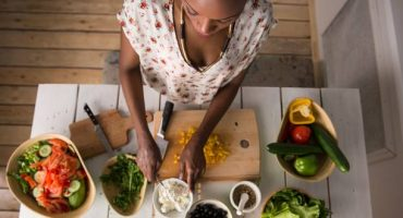 Experience local home cooked meals whilst traveling with Traveling Spoon