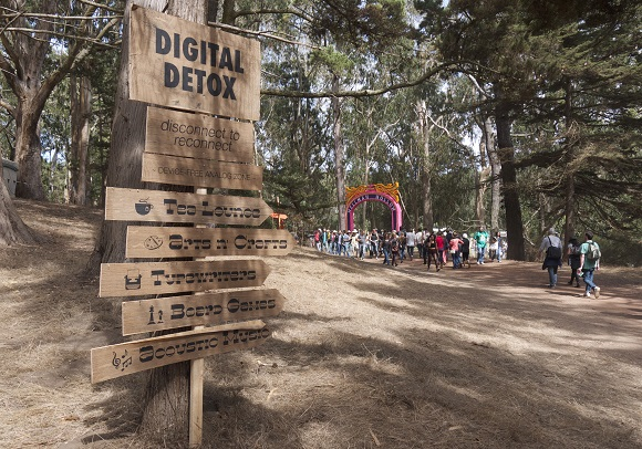 Digital detox retreat