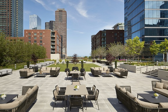 Streeterville Social rooftop bar in Chicago