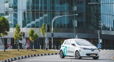 Singapore Debuts World's First Driverless Taxis