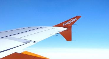 easyJet flight delayed after flight attendants argue over bottled water