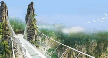 World's longest and highest glass bridge closes after just 2 weeks