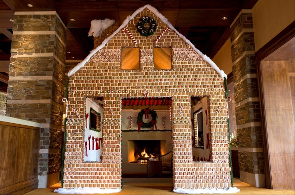 Gingerbread Ritz-Carlton hotel Christmas