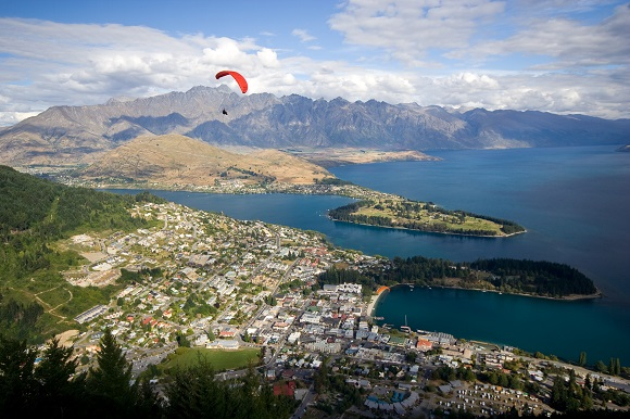 New Zealand paraglider