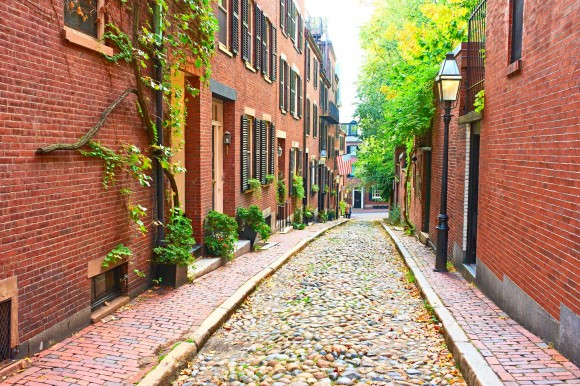 Boston-cobbled-streets
